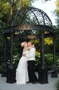 London Ontario Wedding Photographers. Columbia Photos is wedding photography London Ontario. Wedding Venues London Ontario.