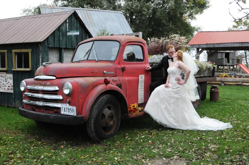 Wedding photographers London Ontario. Columbia Photos is wedding photography based in London Ontario. Owner and pro photographer is Phil Vanderpost.