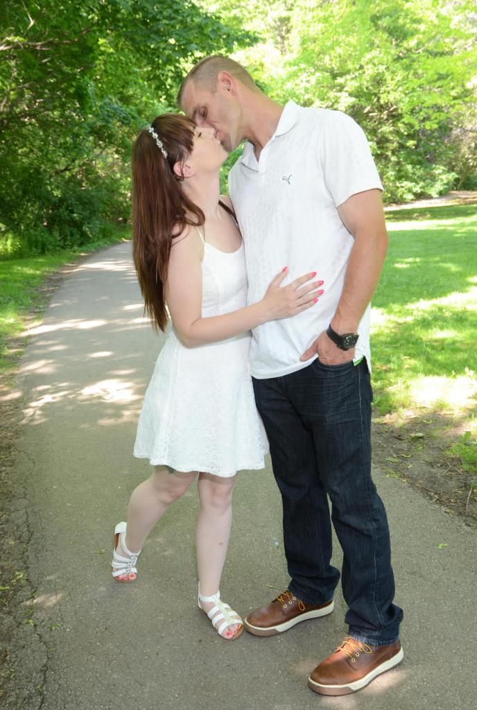 Wedding Photographers London Ontario is Columbia Photos