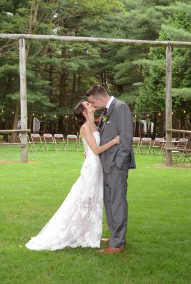 Wedding photographers London Ontario. Columbia Photos is wedding photography studio based in London, Ontario. Photographer is Phil Vanderpost